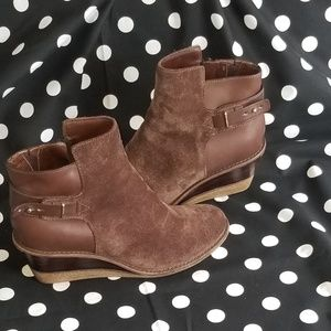 COLE HAN Wedge Ankle Boot in Brown Suede&Leathe